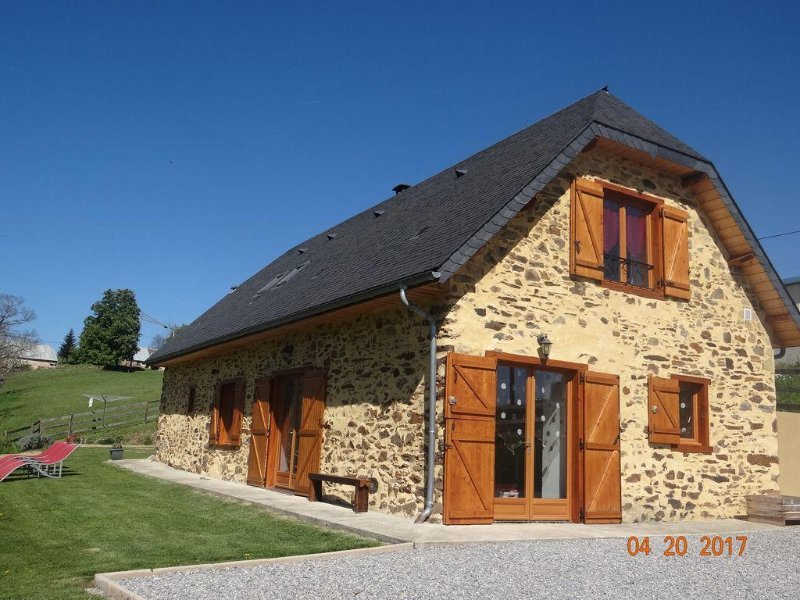 Bergerie Costemale, belle vue sur les Pyrénées idéal pour la famille, location de vacances à Hautes-Pyrenees