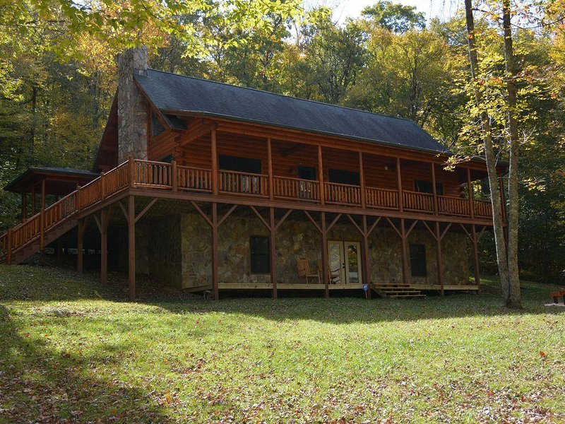 Mountain Retreat Perfect for the Entire Family, holiday rental in Boone