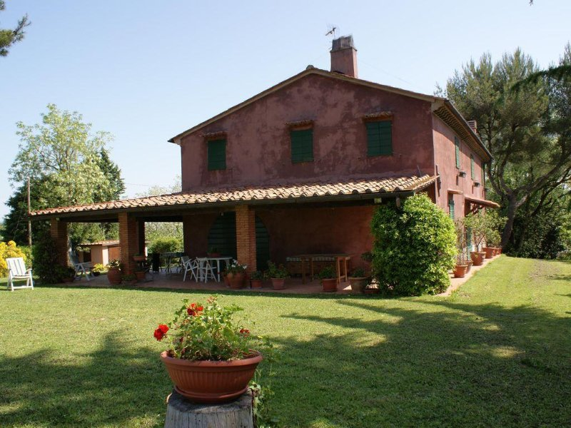 TUSCANY COUNTRY HOUSE, location de vacances à Orciano Pisano