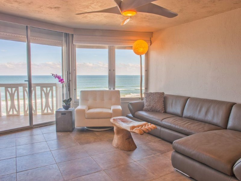 *Private beach*! ~Direct OCEANFront ~SEE reviews. You found your spot., Ferienwohnung in Ormond Beach