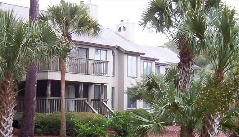 Beautiful Villa on Night Heron Park - Great Central Location on the Park, holiday rental in Kiawah Island