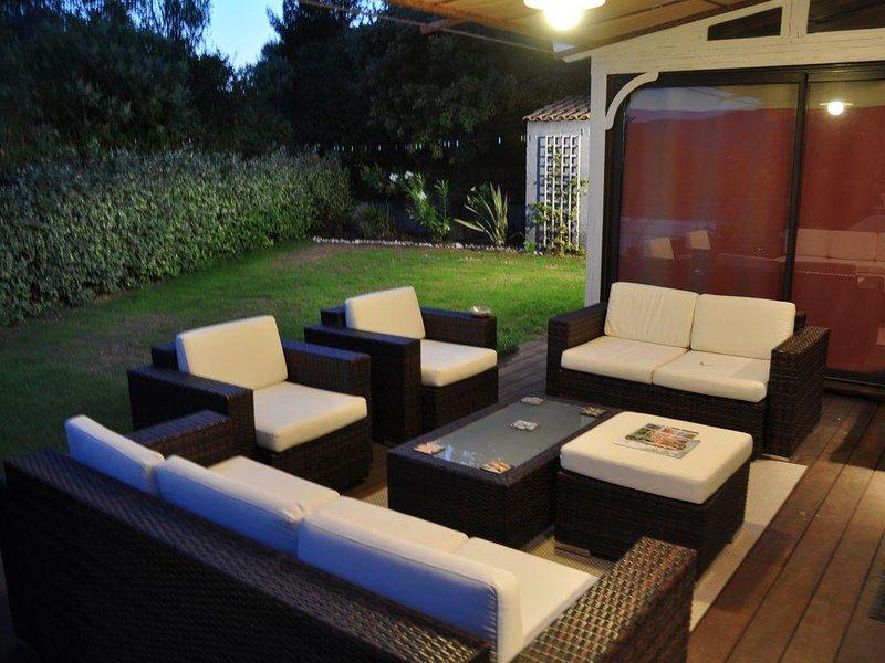 Magnifique Maison Gémenos 4 chambres, vacation rental in Cuges-les-Pins