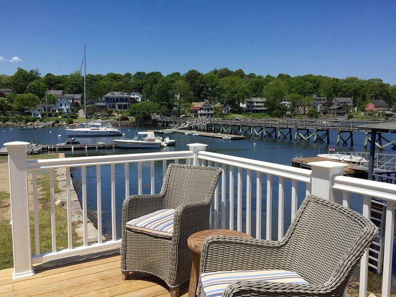 BRAND NEW3 Bedroom On Lobster Cove, Direct Waterfront, Views And Access, w/kayak – semesterbostad i Essex