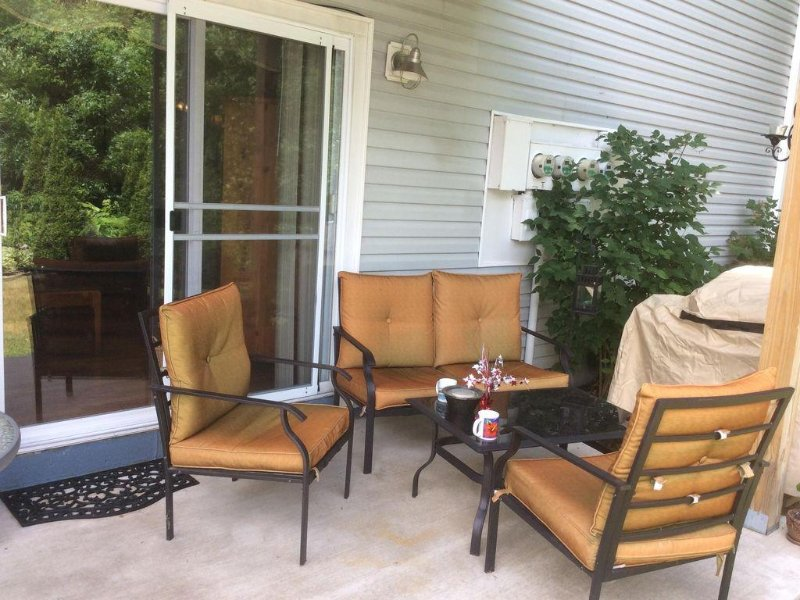 New Buffalo 2 Bdrm Condo with Pool Near Beach-Midweek Special Rate!!!, holiday rental in New Buffalo