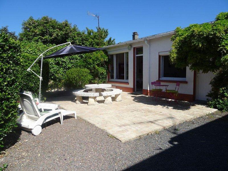 Gîte classé 2 étoiles à Bernières sur mer, vacation rental in Fontaine-Henry