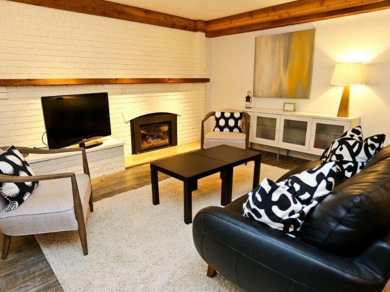 Luxury 2 Bedroom Suite, vacation rental in Burnaby