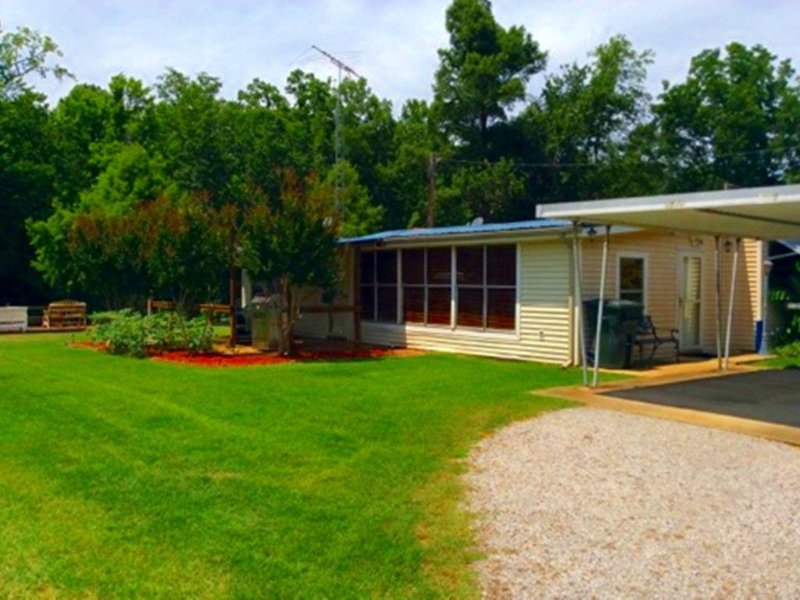 Lodging at the Best on Reelfoot Lake at the Bayou Bungalow, location de vacances à Union City