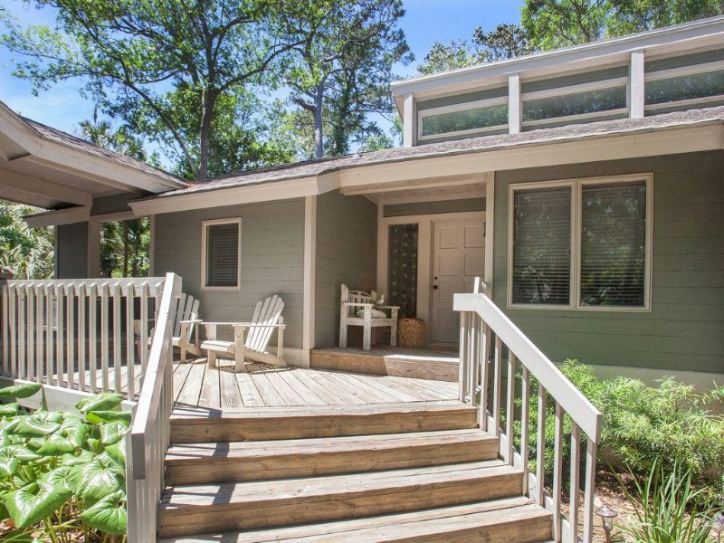 Lovely 4 BR Home with New Heated Private Pool!, holiday rental in Kiawah Island