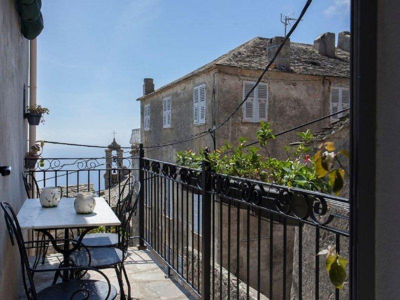 Charmante Maison de Village,avec Balcon, vue Mer, Pozzo-Brando (Haute Corse), vacation rental in Brando