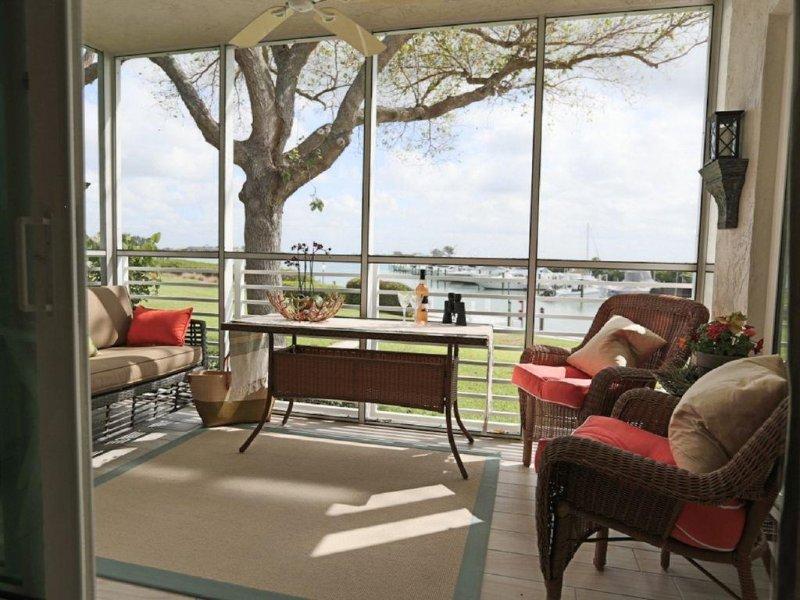 Boca Grande Waterfront One Bedroom Condo On Gasparilla Island; Boca Grande Club, location de vacances à Little Gasparilla Island
