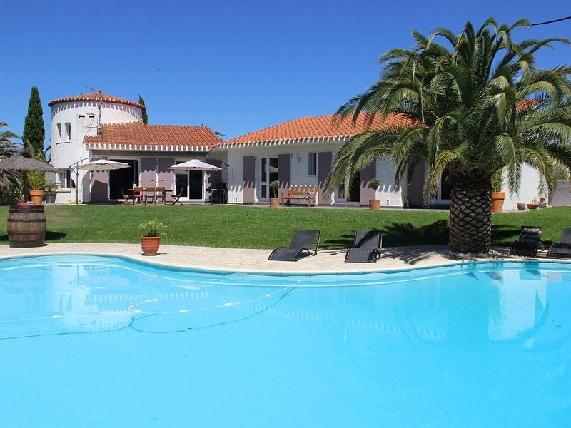 Great Mediterranean Villa Private Pool Quality Benefits 10 people, alquiler vacacional en Canohes