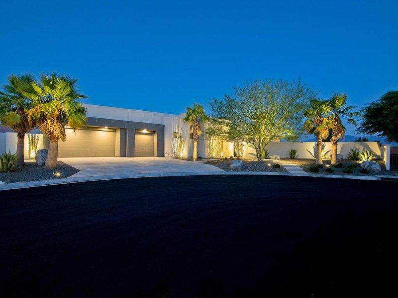 Stunning Modern & Private Retreat - New Ultra Luxury Home, alquiler de vacaciones en Rancho Mirage