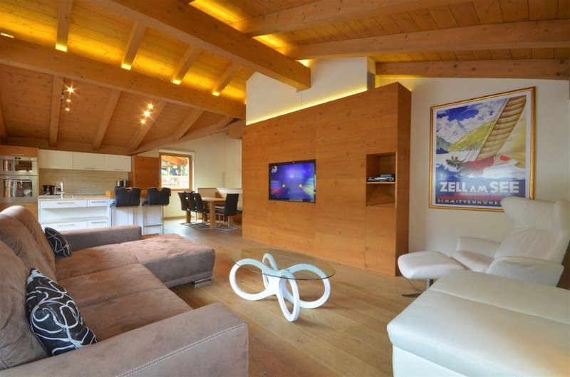 Apartment Diana - modern duplex penthouse, 200m to skilift, close to the Zeller, alquiler vacacional en Thumersbach