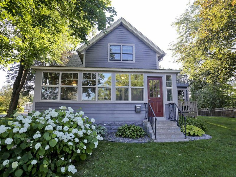 St. Croix Riverview Home...Walking Distance to Downtown Stillwater, vacation rental in Stillwater