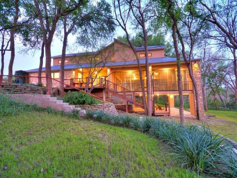 Spacious and Beautiful Riverfront Home!, vacation rental in San Marcos