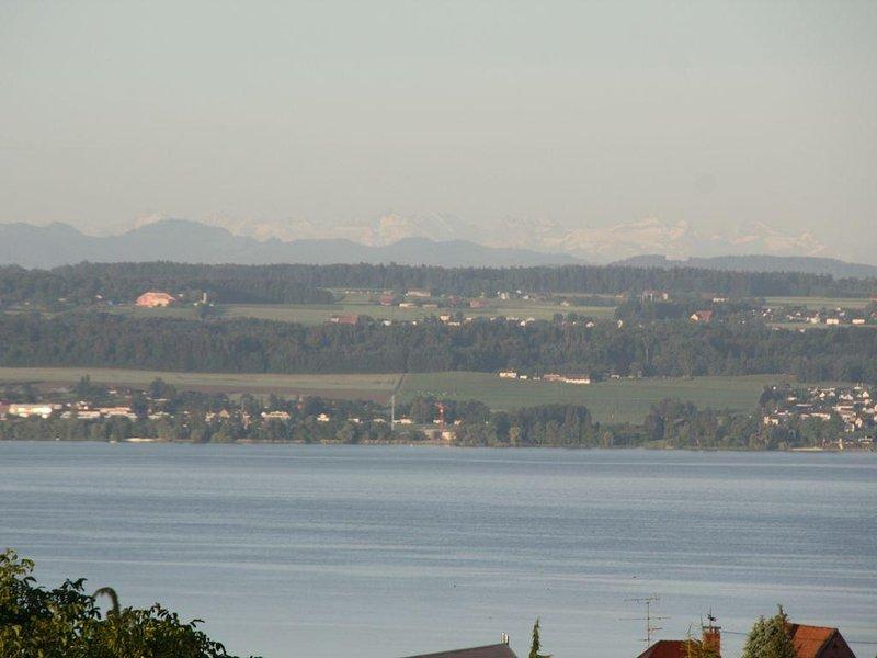 Großzügige Ferienwohnung mit herrlichem Blick auf den Bodensee und Bergwelt, Ferienwohnung in Meersburg (Bodensee)