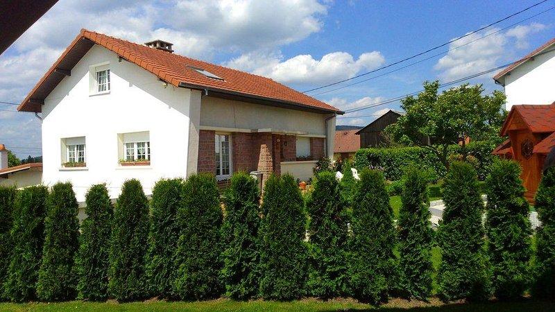 Maison de vacances classée 4 * le wifi illimité pour 6 pers + 1 bébé., holiday rental in Fraize