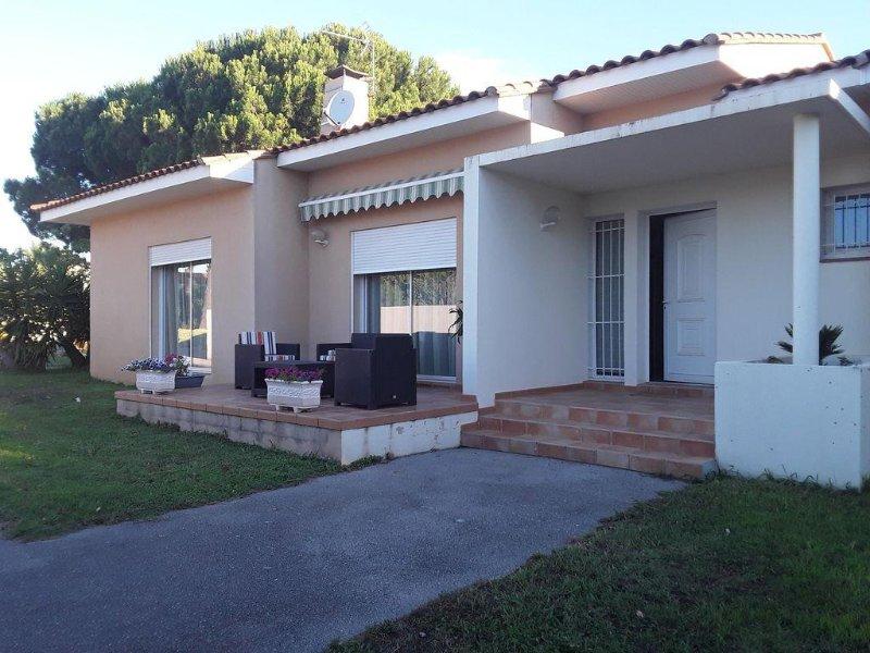 Belle villa contemporaine, location de vacances à Perpignan
