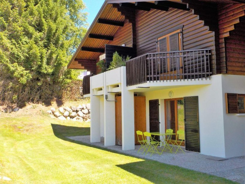 Nice quiet apartment, any comfort with terrace in Gerardmer, vacation rental in Gerardmer