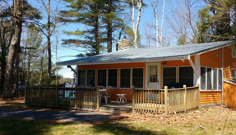 Lakeside living! Swimming, kayaking, hiking.  Shawnee Peak across the lake, vacation rental in Harrison
