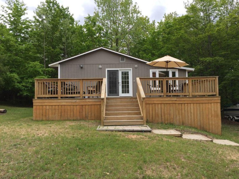 Booking Summer 2020!, holiday rental in Lake Ann
