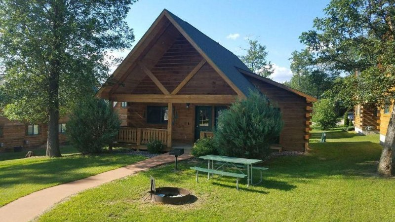 FALL SPECIAL, REDUCED RATES! Fun for the Whole Family, great location., holiday rental in Tomah