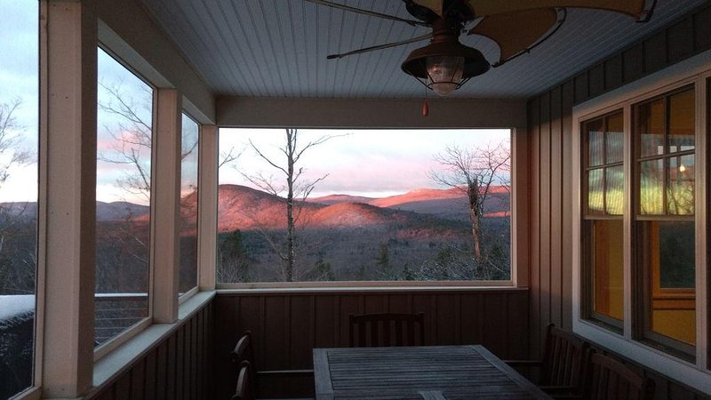New House, Incredible Views, In the Center of it All, holiday rental in Henniker