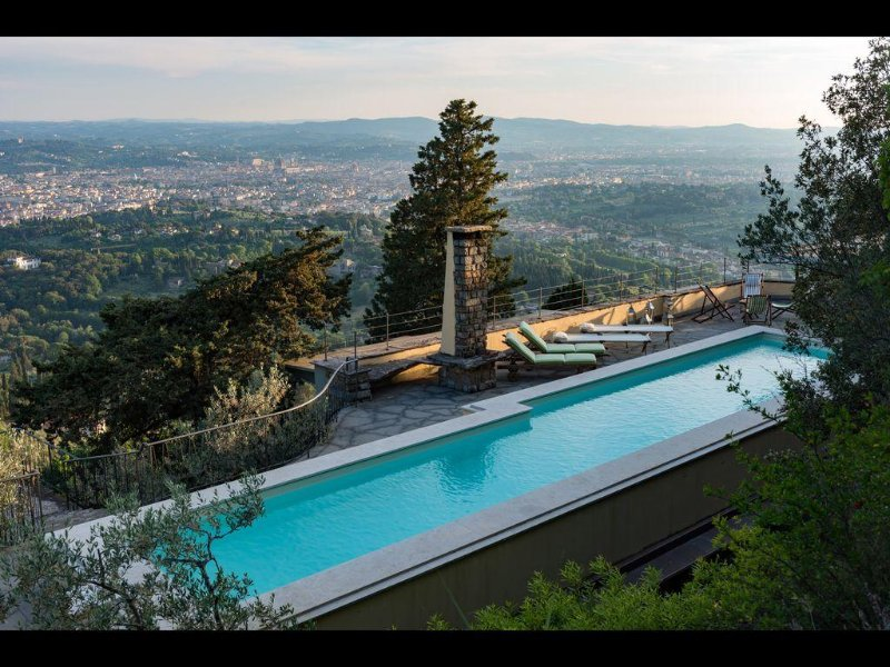 Stunning 5 Bdr Villa With Breathtaking Views of Florence and Private Pool, holiday rental in Trespiano