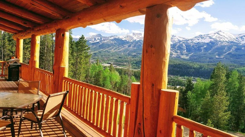 Fabulous Log Home, Unbeatable Views, 1mile from Main St, Sauna, Hot Tub, vacation rental in Breckenridge