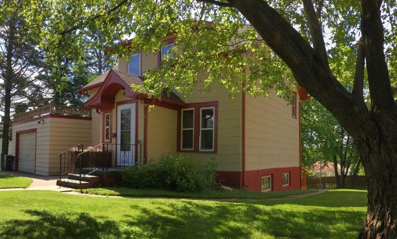Great 2 bedroom home in an excellent location., vacation rental in Duluth