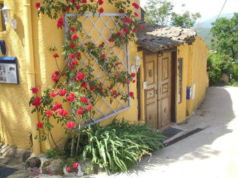 Gite '  La Cigale  ', aluguéis de temporada em Lunas
