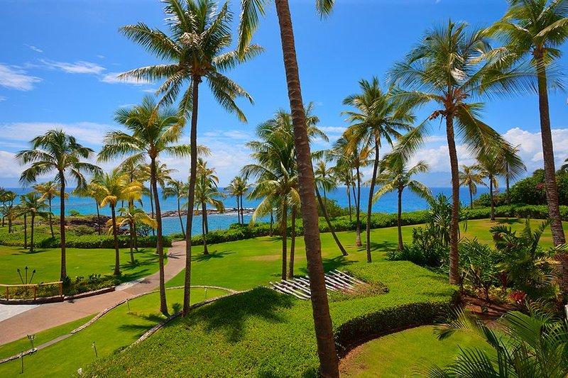 OCEAN DREAMS VILLA 2203 AT MONTAGE KAPALUA BAY - Oceanfront!, vacation rental in Kapalua