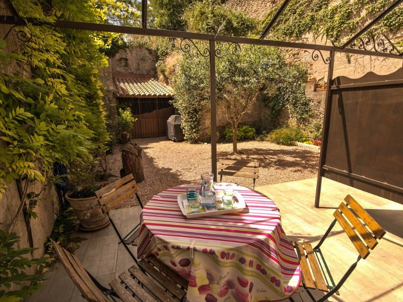 LA BARBACANE : Gite in Carcassonne, holiday rental in Cavanac