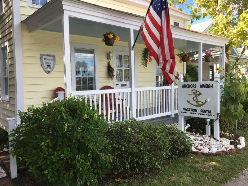 Anchors Aweigh Cottage In Historic Seaside Beaufort, NC, location de vacances à Harkers Island