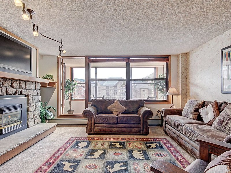 VS438 Roomy Condo With Great Amenities, holiday rental in Frisco