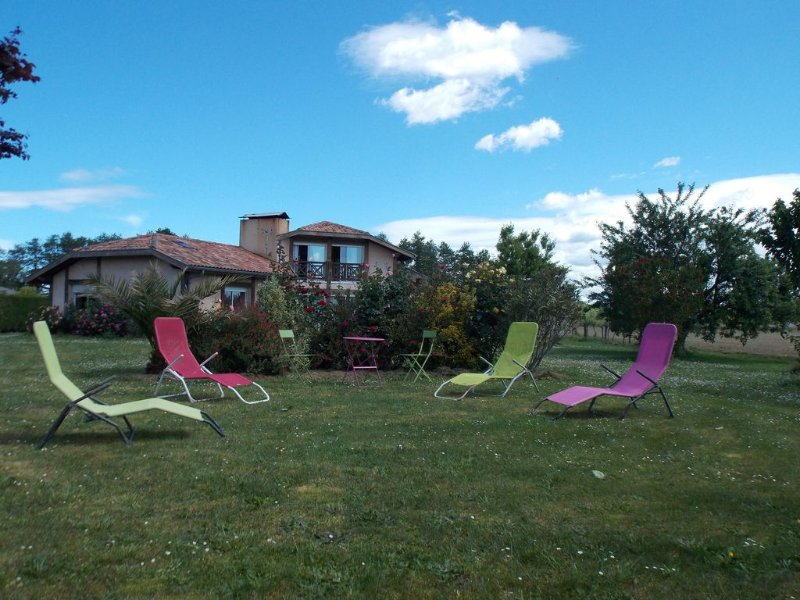 Villa avec Spa dans un environnement protégé, holiday rental in Saint Andre de Seignanx