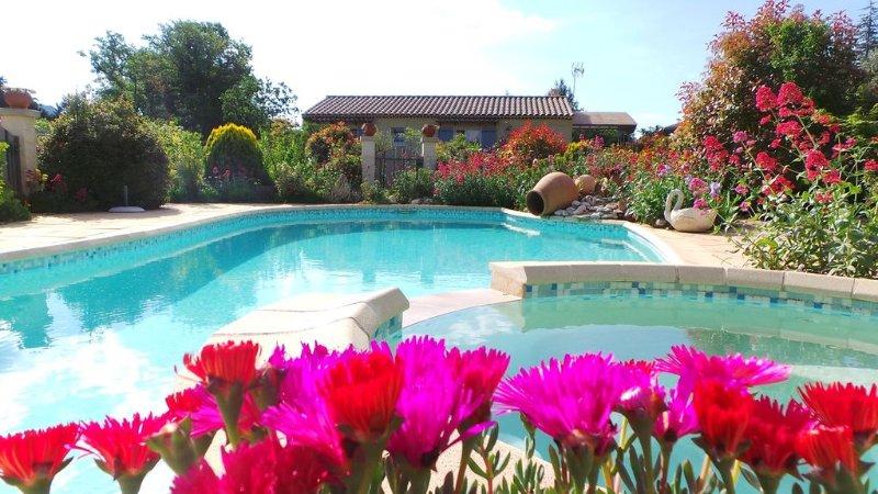 Villa indépendante avec piscine privée dans le Luberon (6 personnes), aluguéis de temporada em Saint-Saturnin-les-Apt
