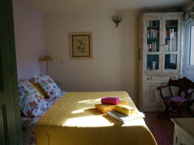 T5 en ville , calme, tout équipé, climatisé,  balcon, WIFI,  7 couchages, aluguéis de temporada em Lozanne
