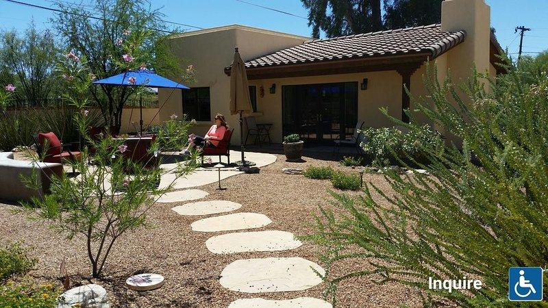 Gem Show/Golf / Univ.of AZ Sports/Birding, Bicycling, Hiking, holiday rental in Tucson