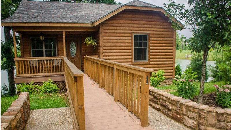 Wine Trail Cabin - Carbondale, Southern Illinois - Giant City State Park, holiday rental in Cobden