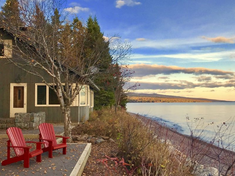 Lake Superior Beach Chalet Between Lutsen & Grand Marais, holiday rental in Lutsen