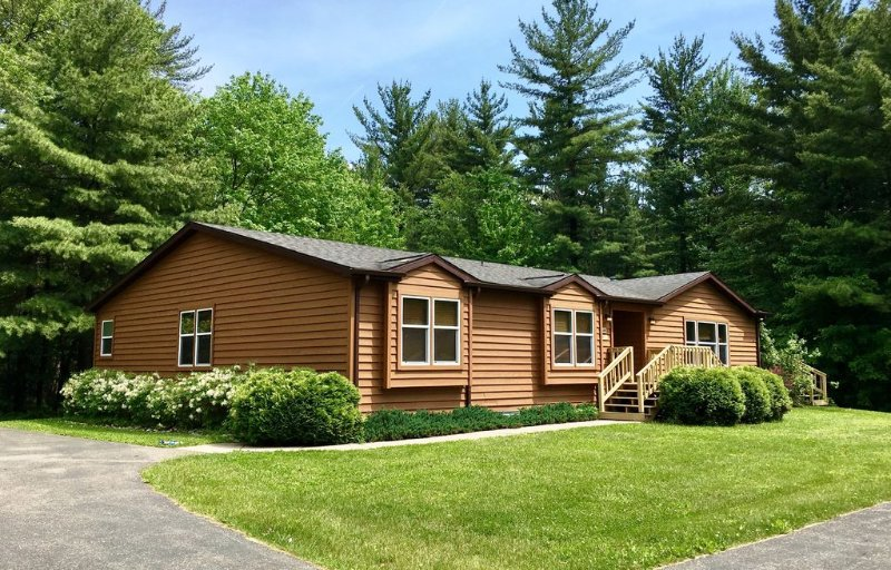 Trails End * Spring Brook Resort | Creekside Vacation Home | Scenic Natural View, vacation rental in Wisconsin Dells