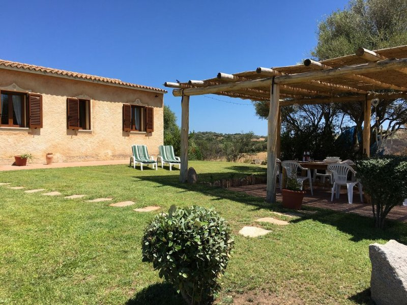 Sardinian Country Villa, vacation rental in Arzachena