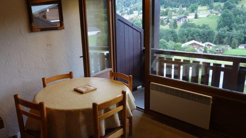 Megève - Demi-Quartier - 33m² facing Mont Blanc, holiday rental in Demi-Quartier