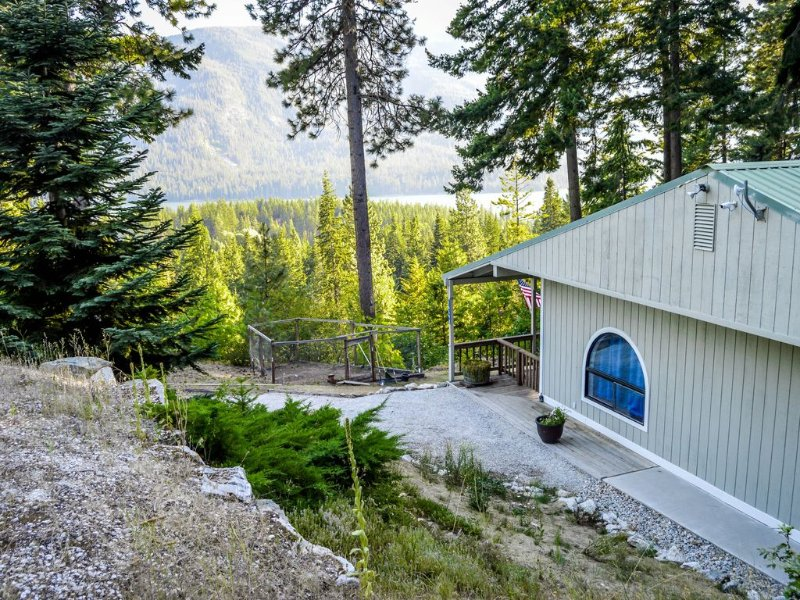 Perfect place to relax and recuperate with gorgeous views of Lake Wenatchee!, holiday rental in Plain
