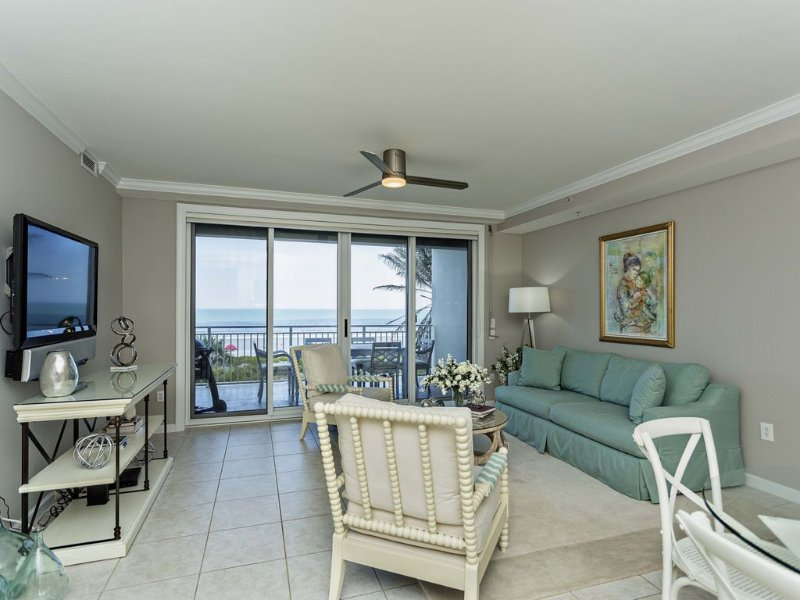 Newly Updated ..5 star reviews ..Mayo Clinic. Sawgrass TPC  Players Cup and Pier, holiday rental in Jacksonville Beach