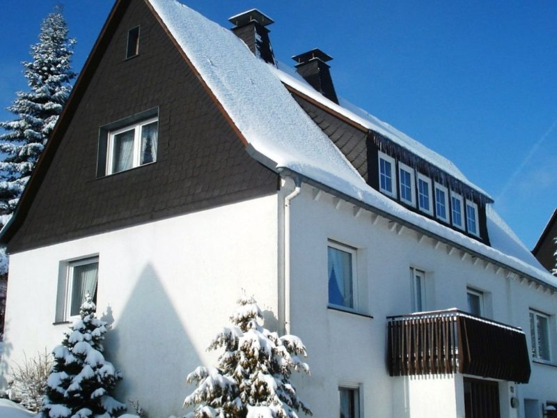 Spacious house in ski area and scenic hiking and cycling routes, holiday rental in Zuschen