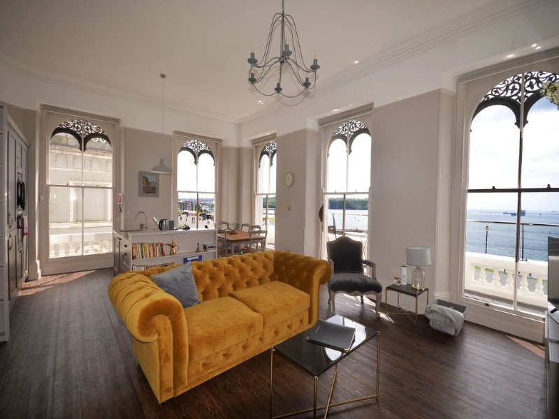 Sir Francis Drake Apartment (5)- stunning sea views over Hoe and Plymouth Sound – semesterbostad i Cremyll