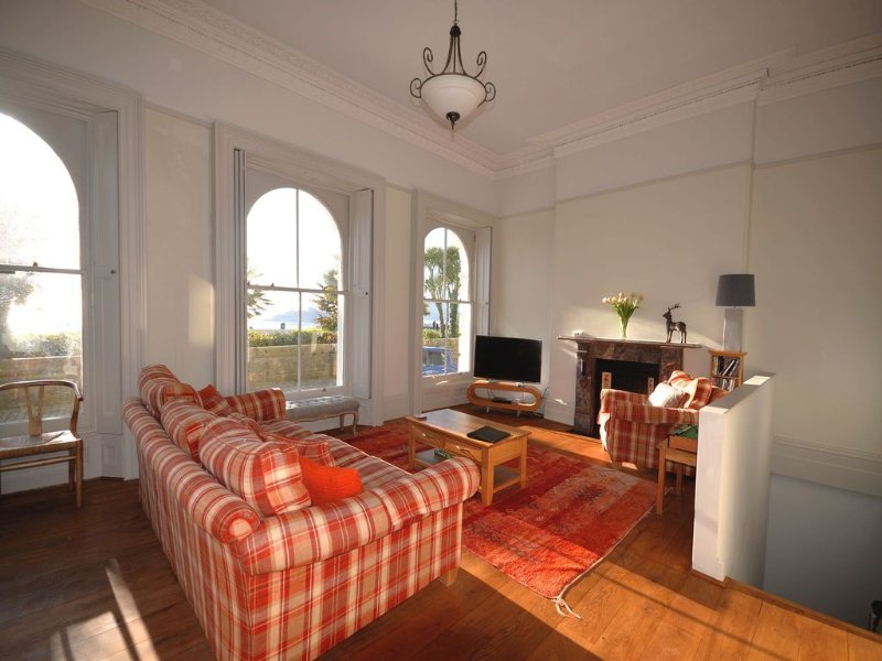 1 Elliot Terrace 4 bed apartment in unrivalled location in the centre of Plymou, holiday rental in Plymouth