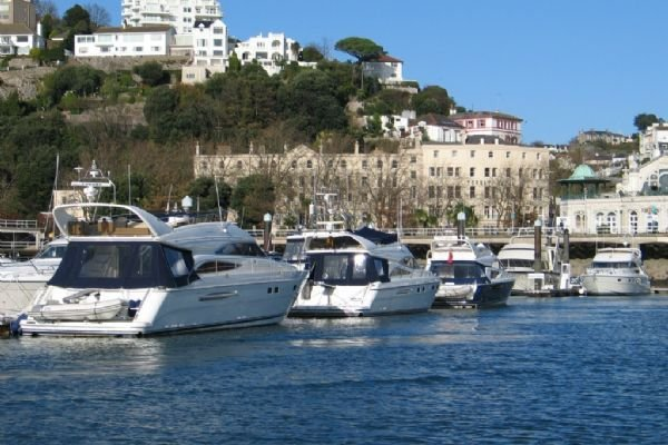 15 Trinity Mews - coaching mews just a few steps from harbour and town centre i, vacation rental in Torquay